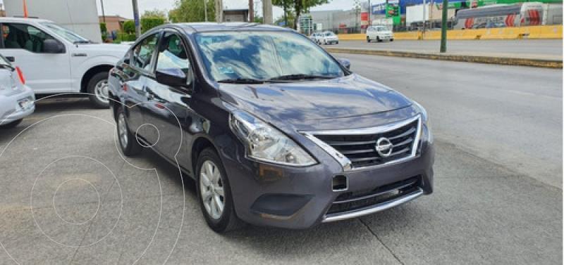 Foto Nissan Versa 1.6 Sense At usado (2019) color Dorado precio $192,000