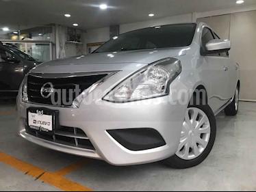 Nissan Versa Sense usado (2015) color Plata precio $126,000