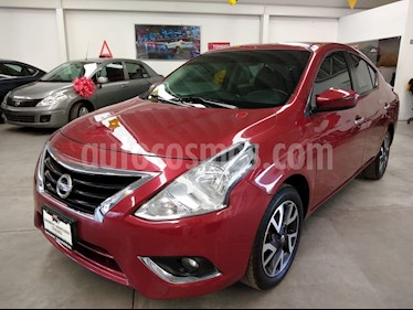 Nissan Versa Exclusive NAVI Aut usado (2017) color Rojo precio $189,000