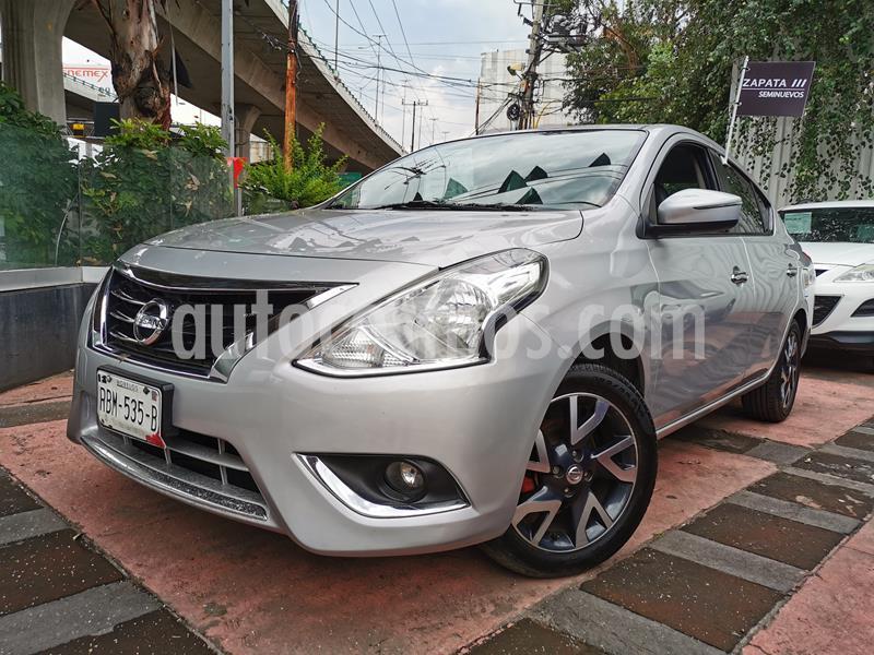 Nissan Versa Exclusive Aut  usado (2015) color Plata precio $140,000