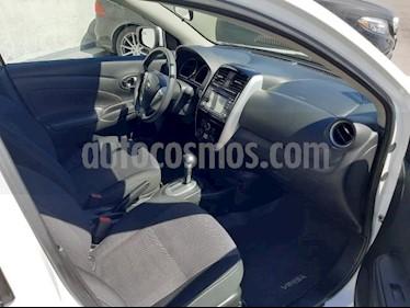Nissan Versa 4P ADVANCE AT A/AC. VE F. NIEBLA RA-15 usado (2017) color Blanco precio $175,000