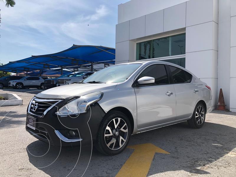 Foto Nissan Versa Exclusive NAVI Aut usado (2016) color Plata Dorado precio $205,500