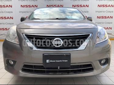 Nissan Versa Advance usado (2013) color Acero precio $110,000