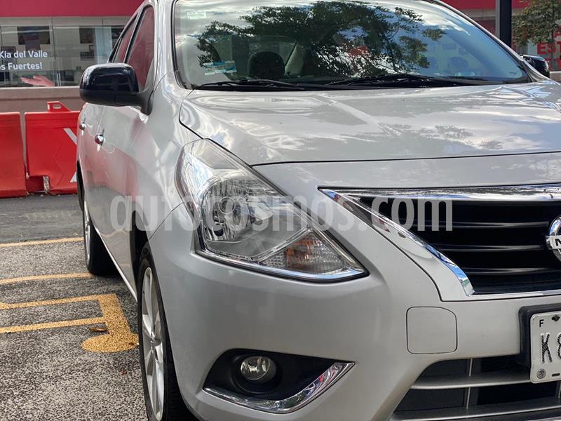 Nissan Versa Advance Aut usado (2016) color Plata precio $155,000
