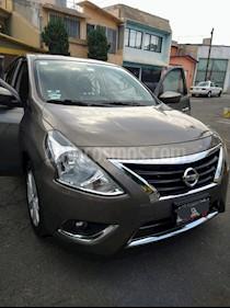 Nissan Versa Advance usado (2016) color Gris precio $135,000
