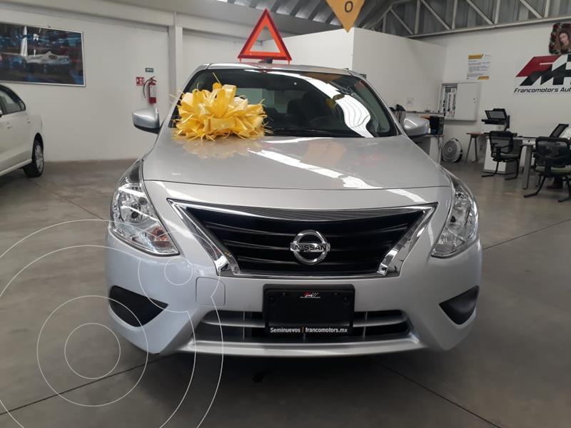 Foto Nissan Versa Sense Aut usado (2019) color Plata precio $199,000
