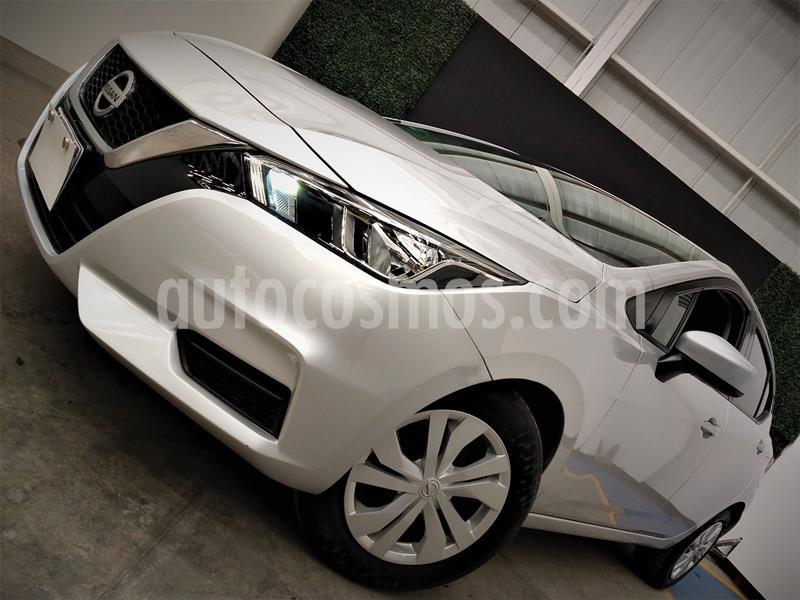 Nissan Versa Sense usado (2020) color Plata precio $214,999
