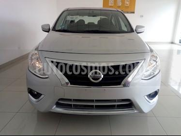 Foto Nissan Versa Advance usado (2018) color Plata precio $189,000