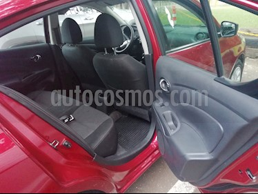 Nissan Versa Sense usado (2018) color Rojo precio $150,000