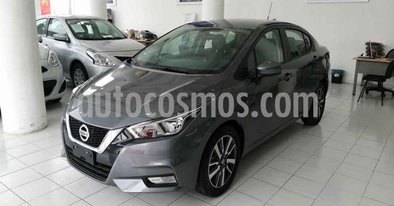 Nissan Versa 4p Advance CVT 20' usado (2020) color Gris precio $247,900