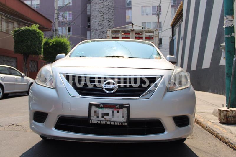 Nissan Versa Sense Aut usado (2012) color Plata precio $90,000