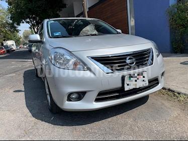Nissan Versa Advance Aut  usado (2013) color Plata precio $128,000