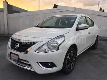 Nissan Versa 4p Exclusive L4/1.6 Aut usado (2019) color Blanco precio $264,900