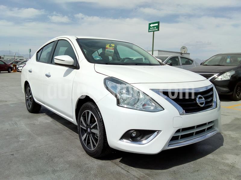 Nissan Versa Exclusive NAVI Aut usado (2019) color Blanco precio $259,000