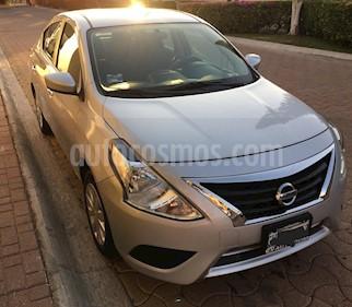 Nissan Versa Sense Aut usado (2017) color Plata precio $150,000
