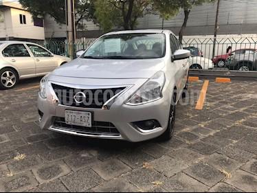 Nissan Versa Advance usado (2018) color Plata precio $180,000