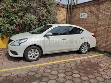 Foto Nissan Versa Sense Aut usado (2019) color Blanco precio $199,800