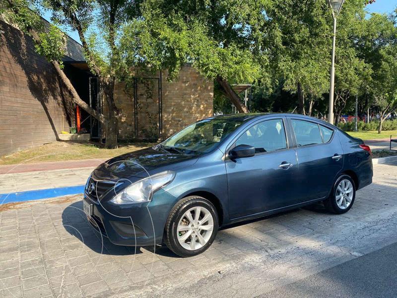 Foto Nissan Versa Sense Aut usado (2017) color Azul precio $179,900