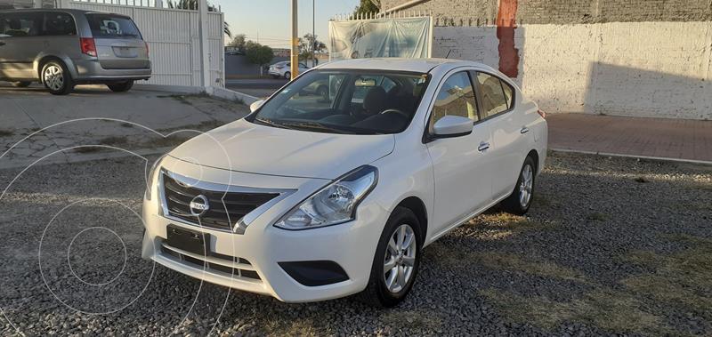 Foto Nissan Versa Sense Aut usado (2019) color Blanco precio $167,900