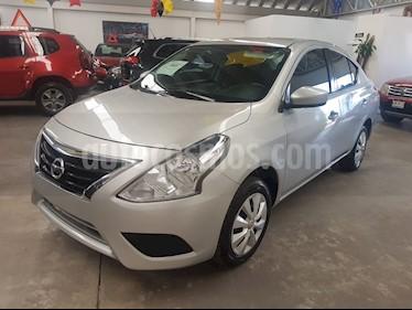 Nissan Versa Sense usado (2017) color Plata precio $155,000