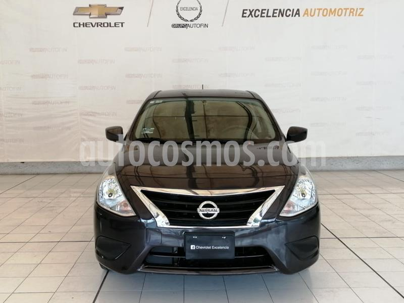 Nissan Versa Sense usado (2019) color Gris Oscuro precio $185,000