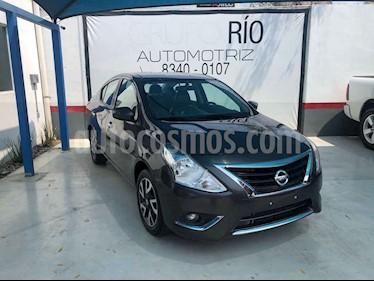 Nissan Versa Exclusive Aut usado (2016) color Gris precio $152,000