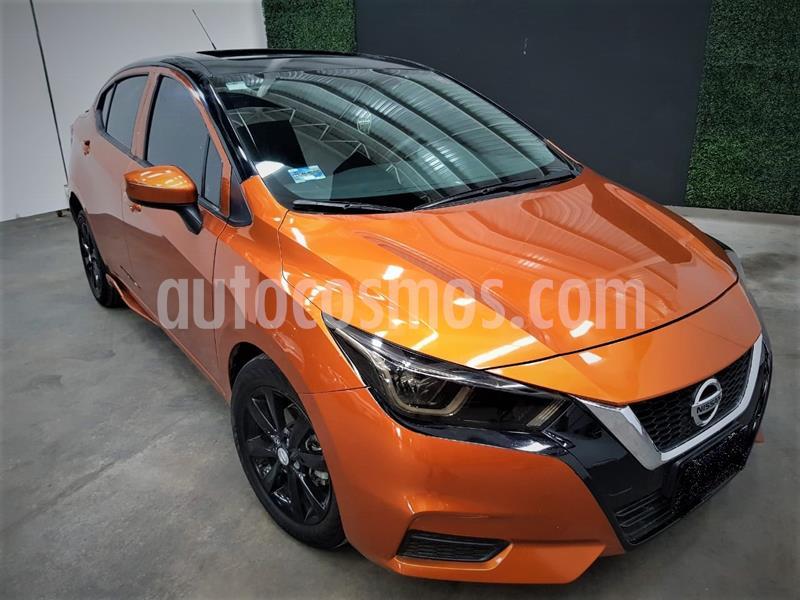 foto Nissan Versa Sense usado (2020) color Naranja precio $234,999