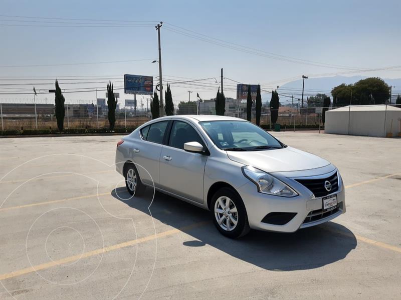 Foto Nissan Versa Sense Aut usado (2019) color Plata Dorado precio $187,200