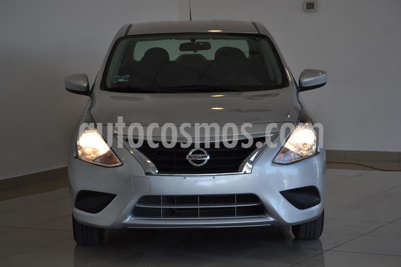Foto Nissan Versa Sense Aut usado (2019) color Plata precio $207,000
