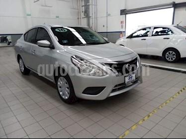 Nissan Versa Sense usado (2016) color Plata precio $139,000