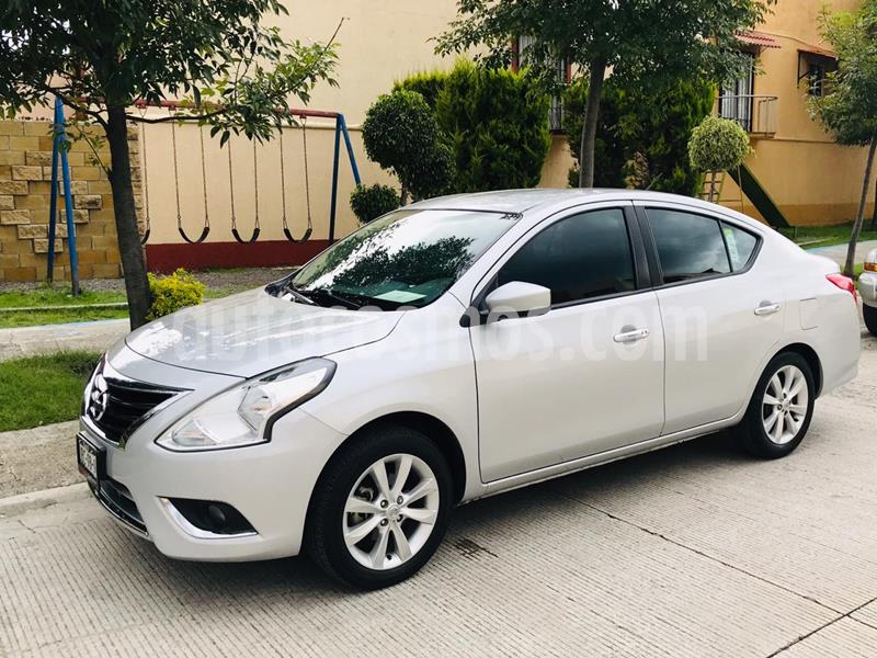 Nissan Versa Advance usado (2018) color Plata precio $189,000