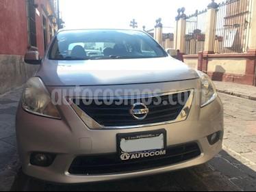 Nissan Versa Exclusive Aut usado (2013) color Plata precio $120,000