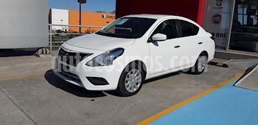 Foto Nissan Versa Sense Aut usado (2017) color Blanco precio $160,000