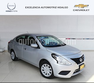 Nissan Versa Sense Aut usado (2018) color Plata precio $205,000