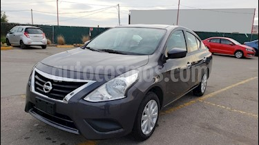 Foto venta Auto usado Nissan Versa Sense Aut (2018) color Gris precio $189,800