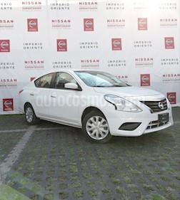 Foto venta Auto Seminuevo Nissan Versa Sense Aut (2017) color Blanco
