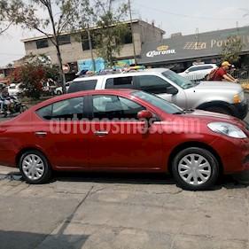 Nissan Versa Sense Aut  usado (2013) color Rojo precio $115,000