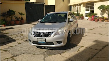 Nissan Versa Sense Aut  usado (2013) color Plata precio $115,000
