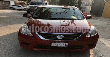 Foto Nissan Versa Sense Aut   usado (2014) color Rojo precio $125,000
