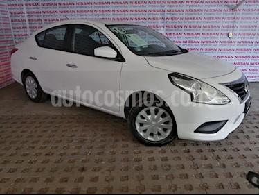 Foto Nissan Versa Sense Aut usado (2018) color Blanco precio $174,000