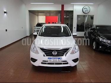 Nissan Versa Sense usado (2017) color Blanco precio $530.000