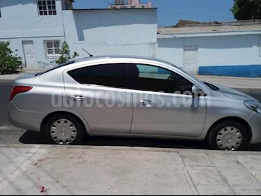 Foto venta Auto usado Nissan Versa Sense (2013) color Plata precio $5.200.000