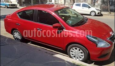 Foto Nissan Versa Sense usado (2015) color Rojo precio $138,000