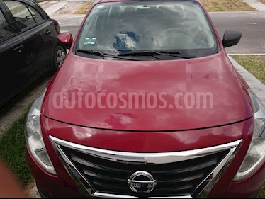 Foto Nissan Versa Sense usado (2015) color Rojo precio $105,000