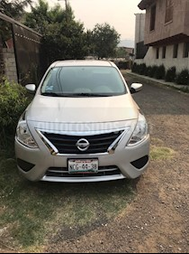 Nissan Versa Sense usado (2017) color Plata precio $168,000