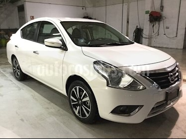 Foto venta Auto Seminuevo Nissan Versa VERSA EXCLUSIVE AT (2019) color Blanco precio $240,000
