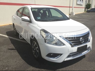 Foto venta Auto Seminuevo Nissan Versa VERSA EXCLUSIVE AT (2018) color Blanco precio $230,000