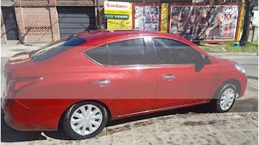 Foto venta Auto usado Nissan Versa Visia (2014) color Rojo Tinto precio $277.000