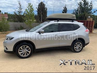 Nissan X-Trail 2.5L Exclusive Aut 3Filas 4x4 usado (2017) color Plata precio $14.490.000
