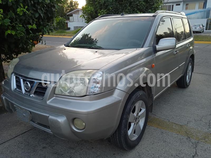 Nissan X-Trail SLX 2.5L Lujo Aut usado (2002) color Gris Plata  precio $95,000